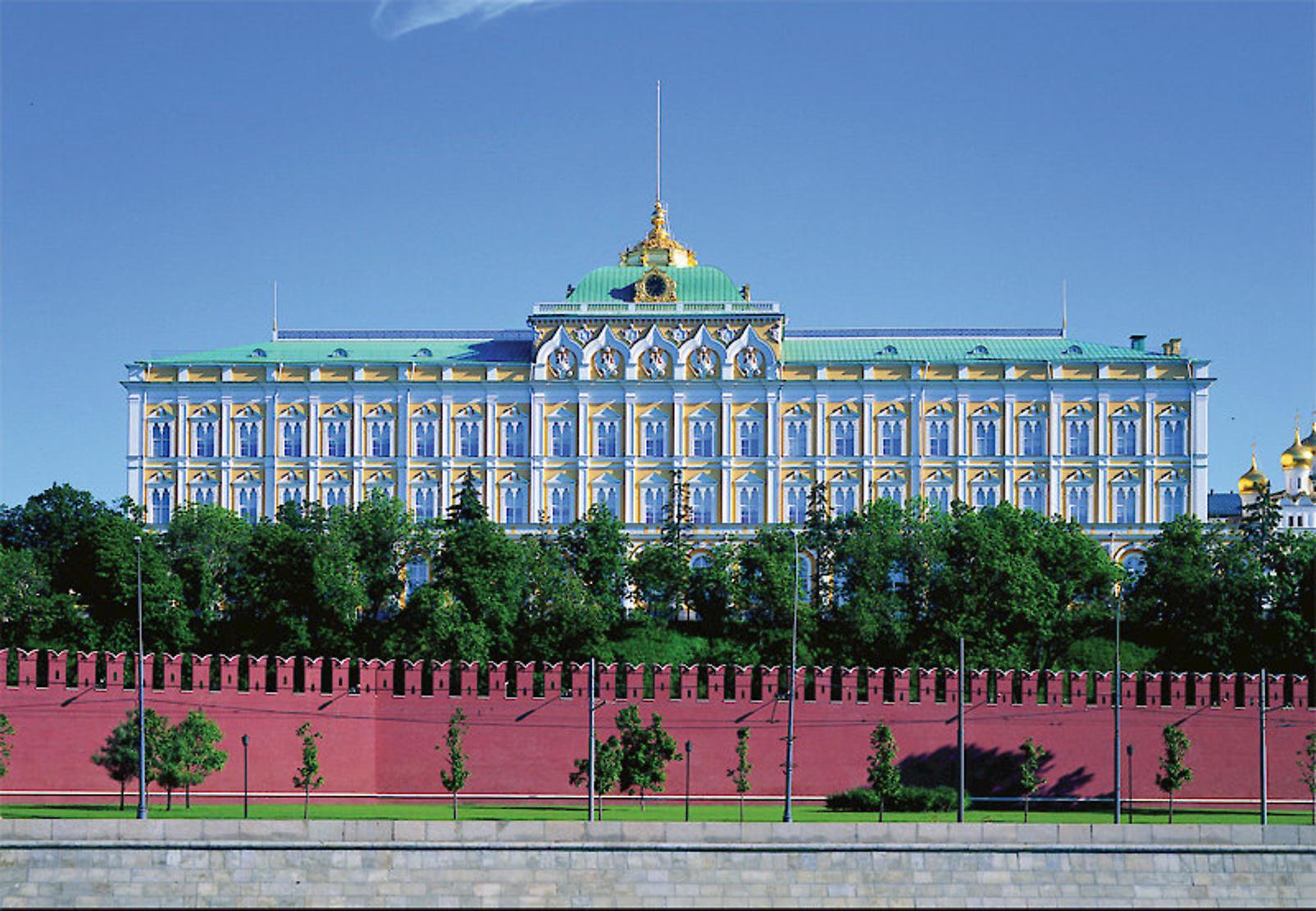 Большой кремлевский дворец фото с высоты вот