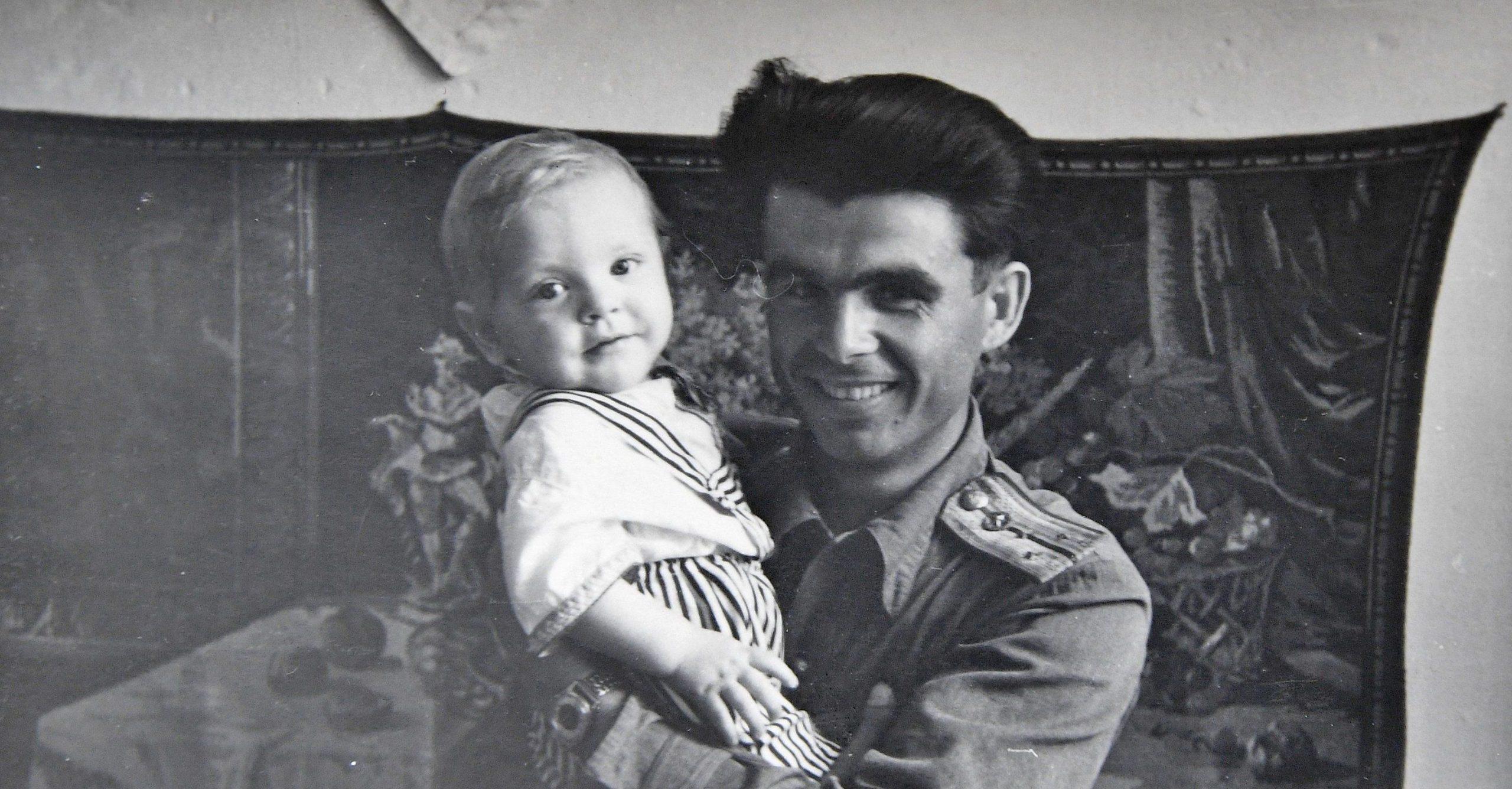 От расстрела спасла только смерть Брежнева: история афганца-смертника