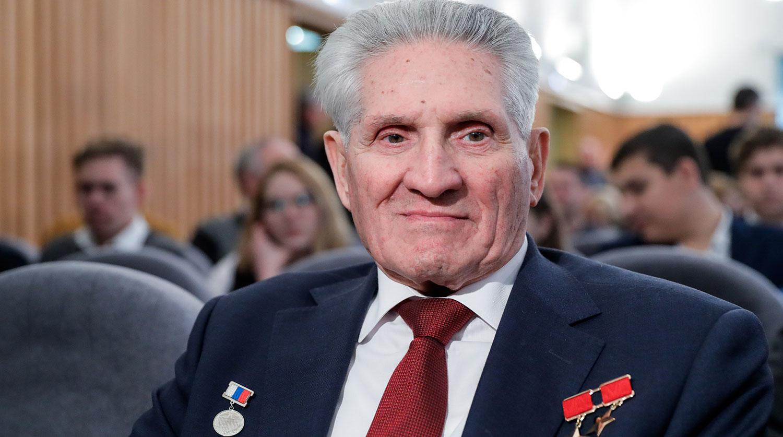 Космонавт опроверг версию Леонова о гибели Гагарина